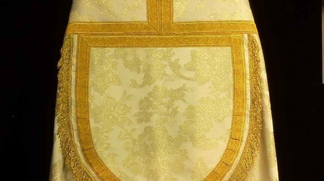 capillo de capa pluvial de corte tradicional