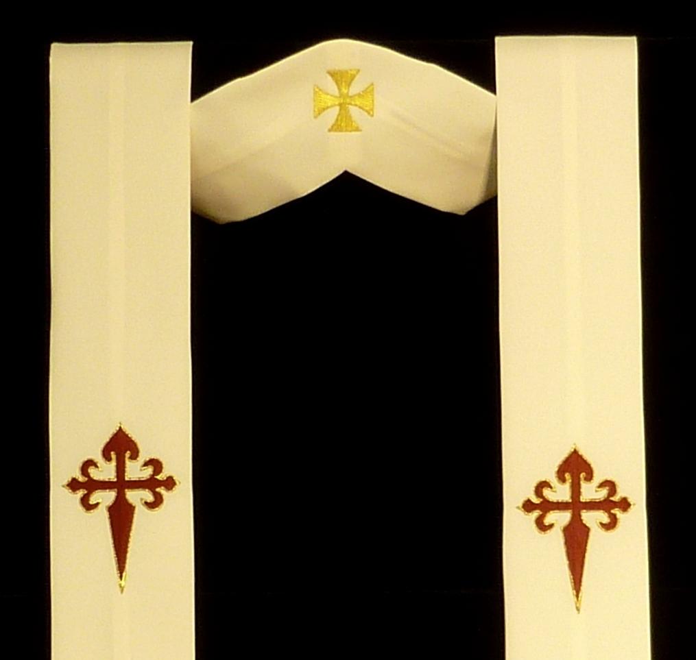 estola bordada con la cruz de Santiago