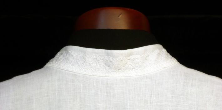 Cuello de alba de corte camisero