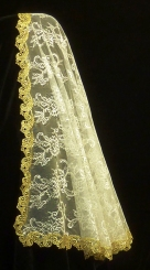 velo de chantilly con puntilla guipur