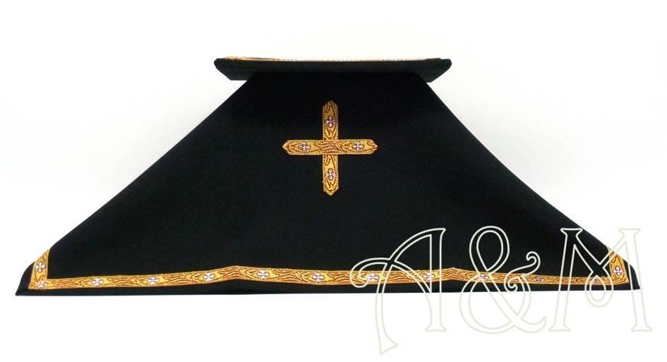 Carpetilla y velo negros