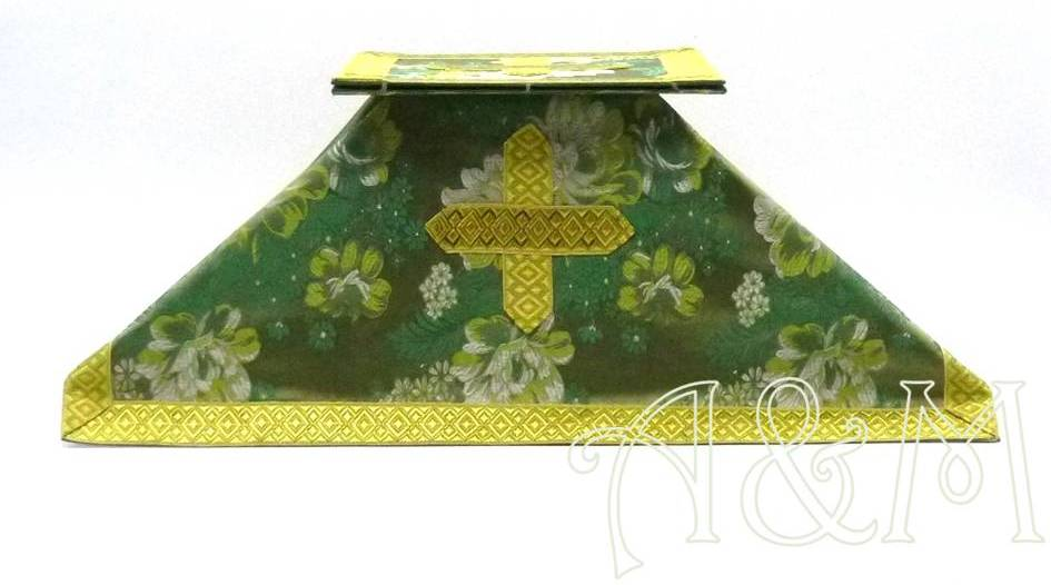 Carpetilla y velo verde