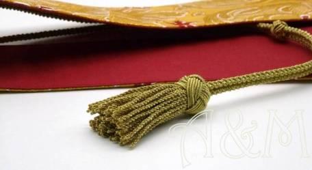 Manípulo en tela brocada dorada