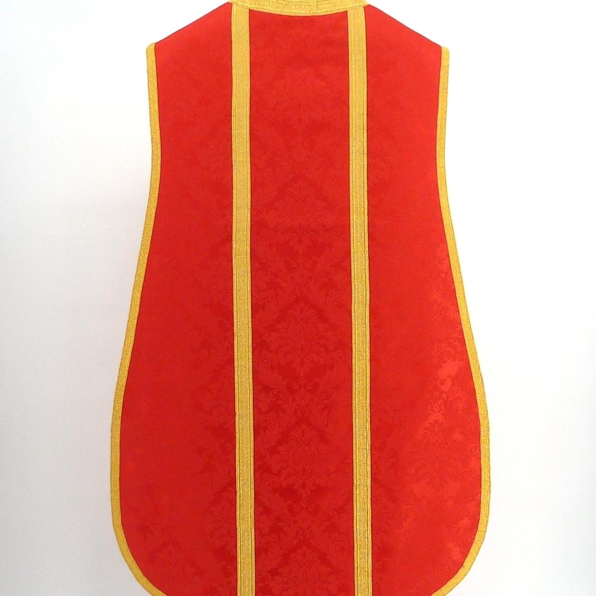 Casulla roja, espalda