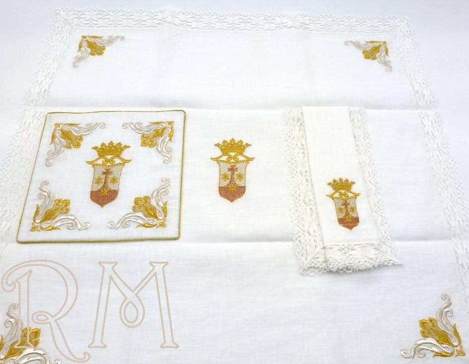 Juego de altar bordado